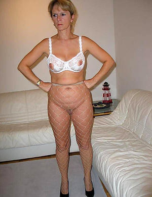 free pics of experienced women in pantyhose