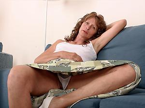 sexy granny upskirt porn pics