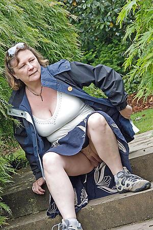 crazy nude granny upskirt