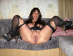 xxx pictures of column shaving pussy