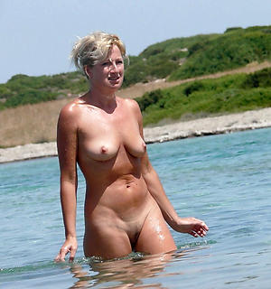 naked old grannies outdoors