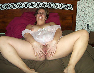 petite hot aged pussy