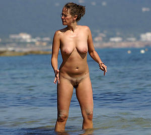 old pussy on the beach in porn