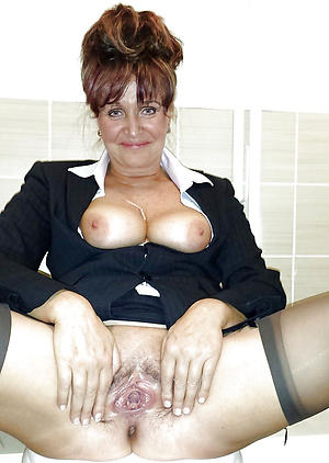 naked mature pussi galleries