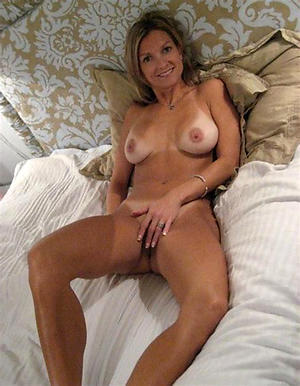 well done age-old mature pussy private pics