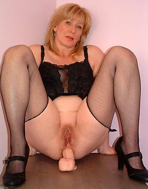 Bohemian pics of old blonde pussy
