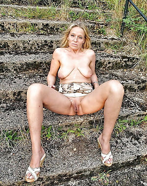 elderly naked blondes pussy in porn