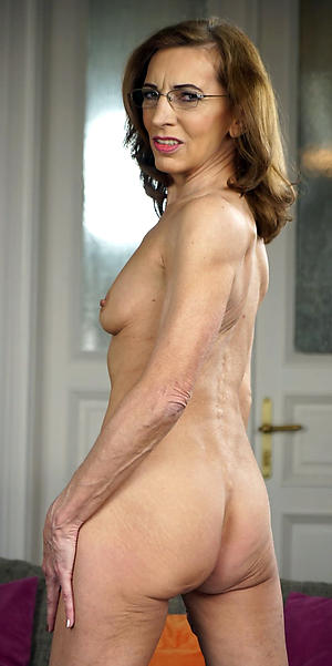 elderly cougar mature pussy freash