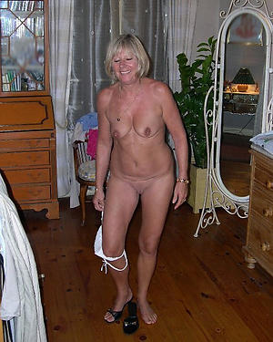 old lady solo amateur slut