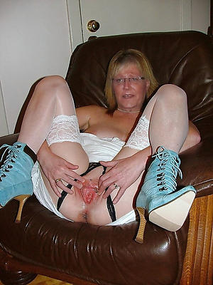 erotic beauty mom stock control things