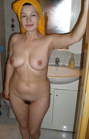 porn pics of older amateur pussy