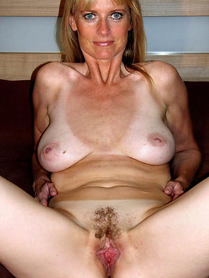 easy pics of older redhead pussy