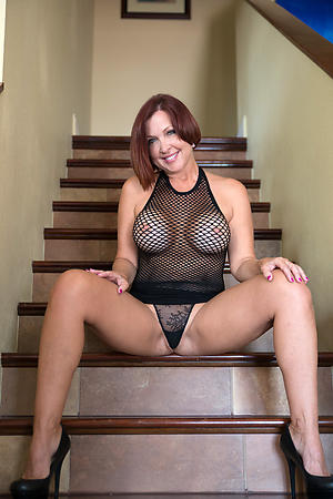 sexy granny in heels hot porn pic