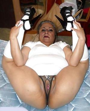 nude granny to heels amateur pics