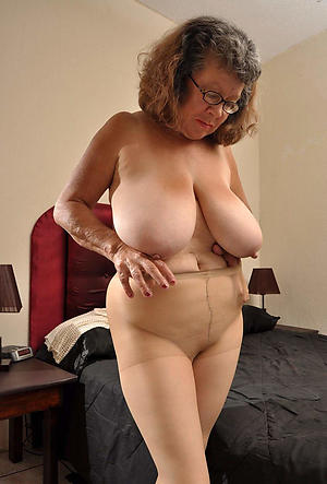 free pics of grannys in pantyhose