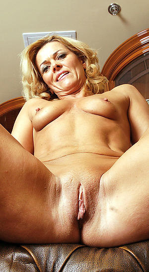 xxx shaved granny pussy nude pics