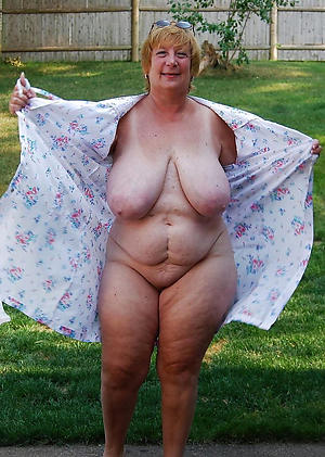 nude pics of amateur chubby granny