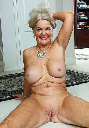 nice older tits pic