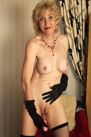 easy pics of sexy old cougar