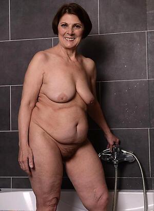 older woman solo amateur floozy