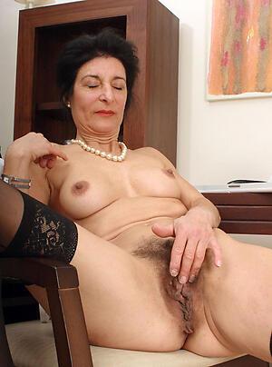 nude pics of sexy granny brunette