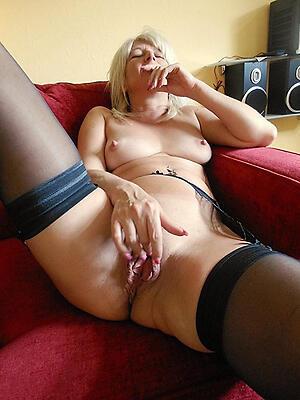 xxx pictures of hot granny masturbates