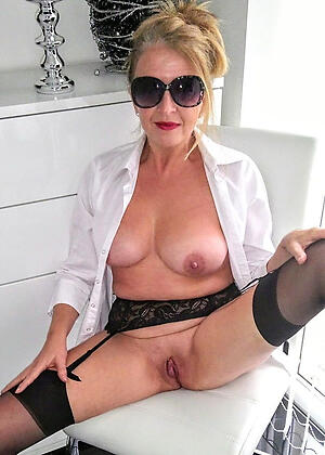 porn pics of old granny shaved pussy