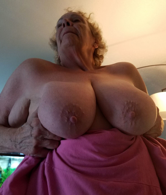 Busty Grannies