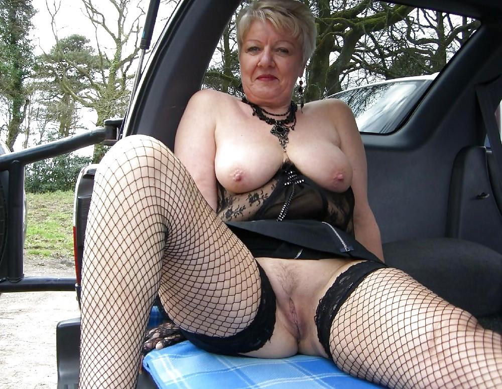 nude women in bondage