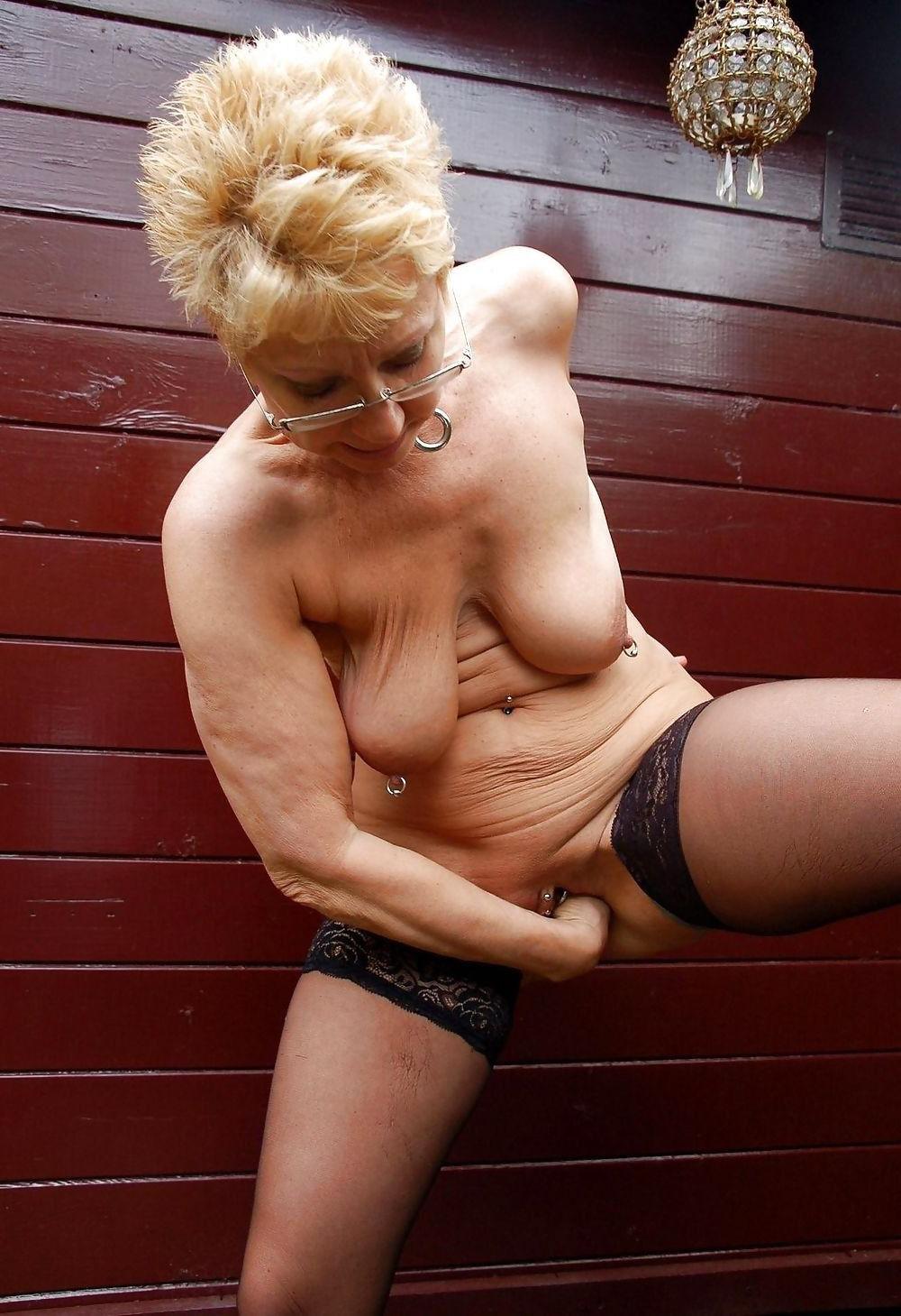 Crazy masturbating older women nude pics