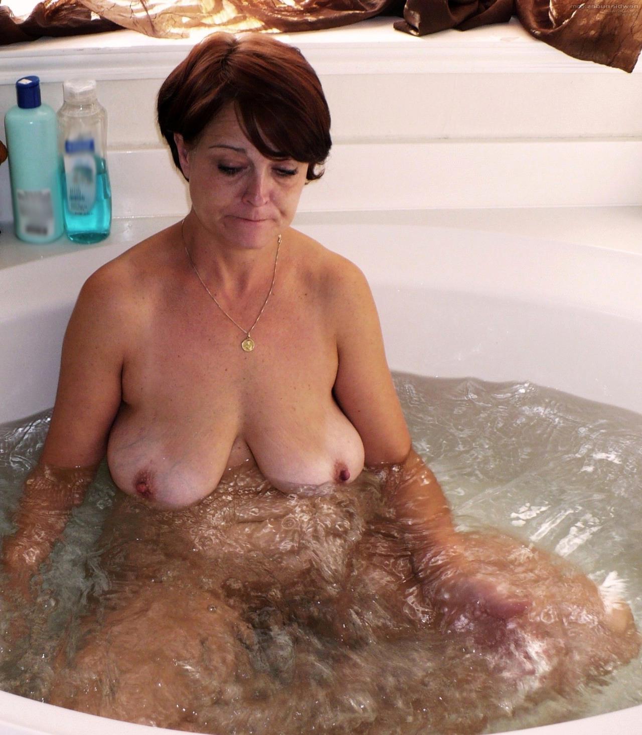 Porno old woman Sexy Mature