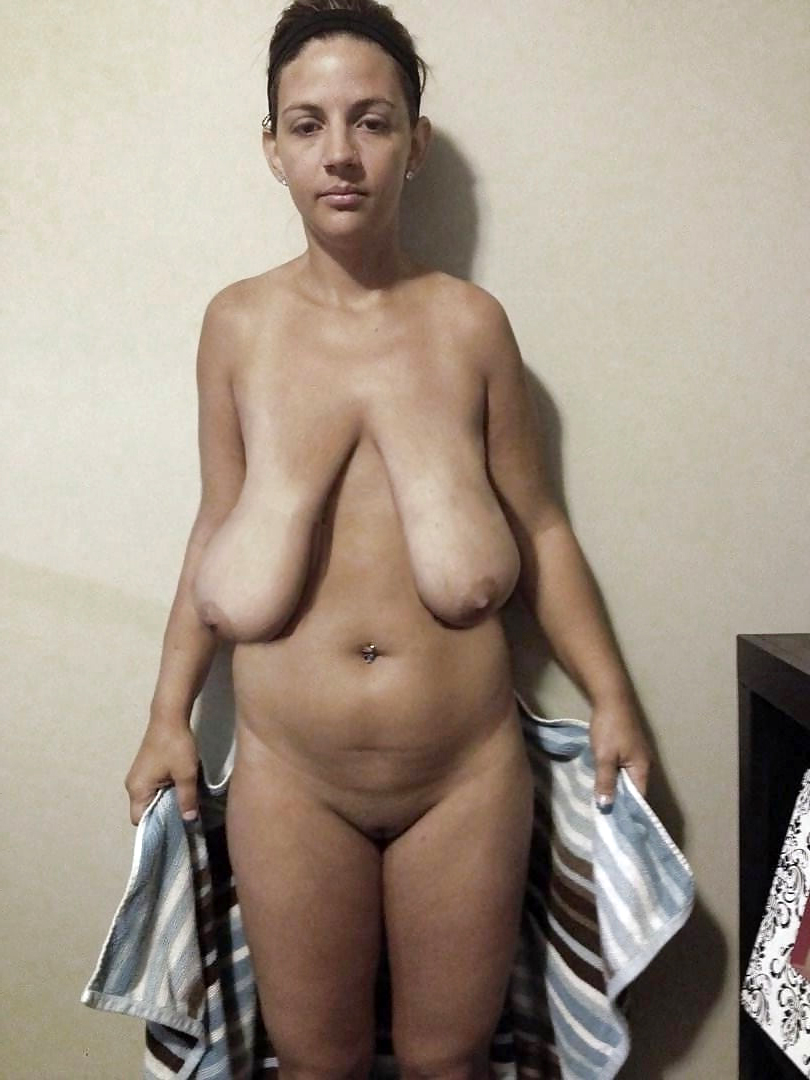 Huge Tits Amateur Strip