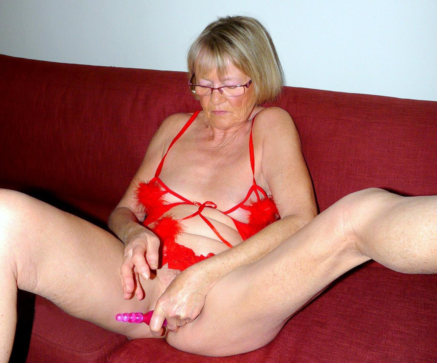 Granny masterbating private pics