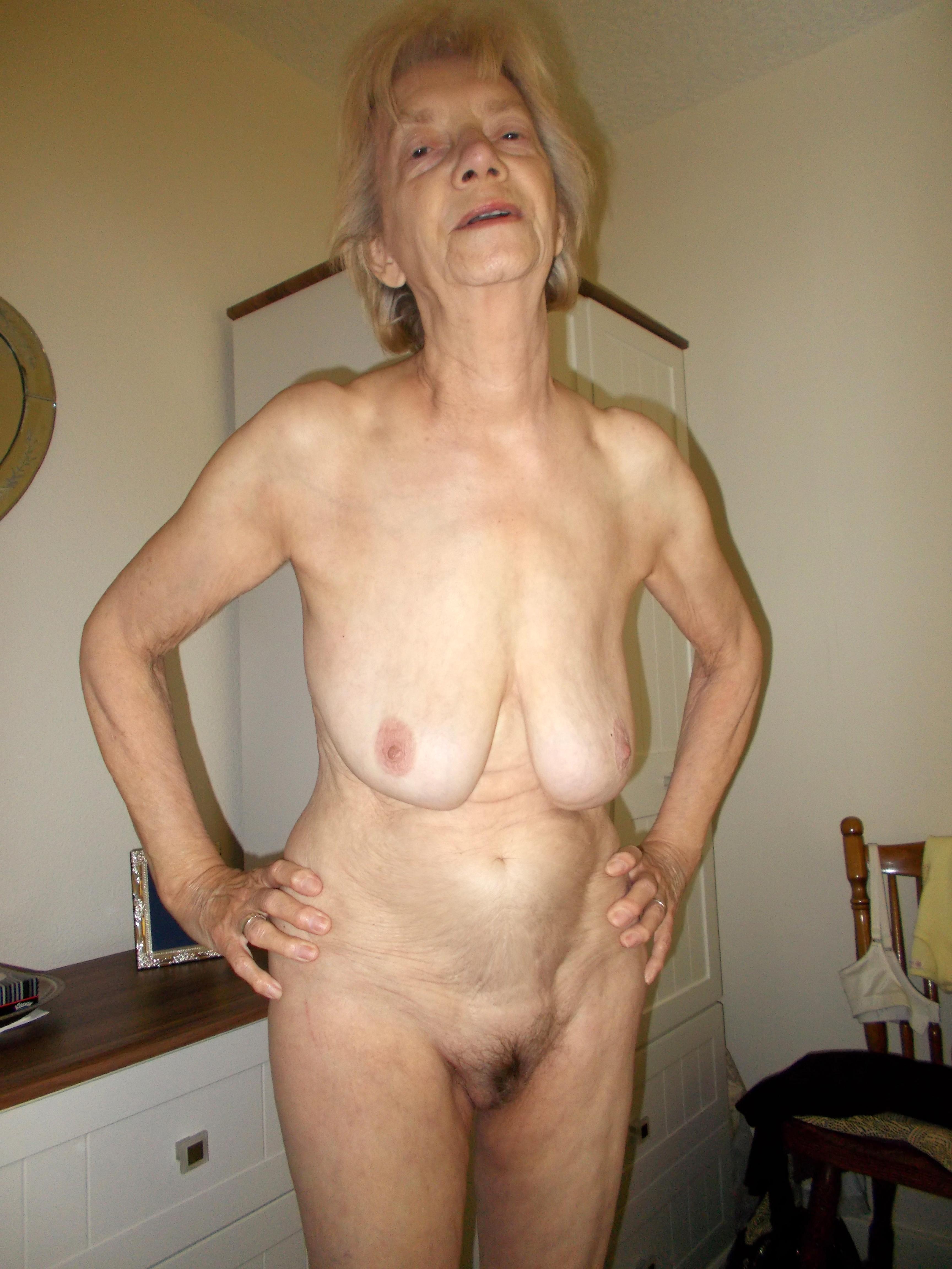 Nude pics granny cdn.dewtour.com Thumbnail