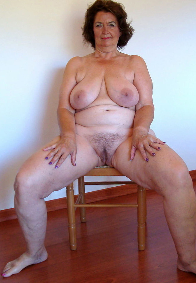 Naked women private Public Voyeur