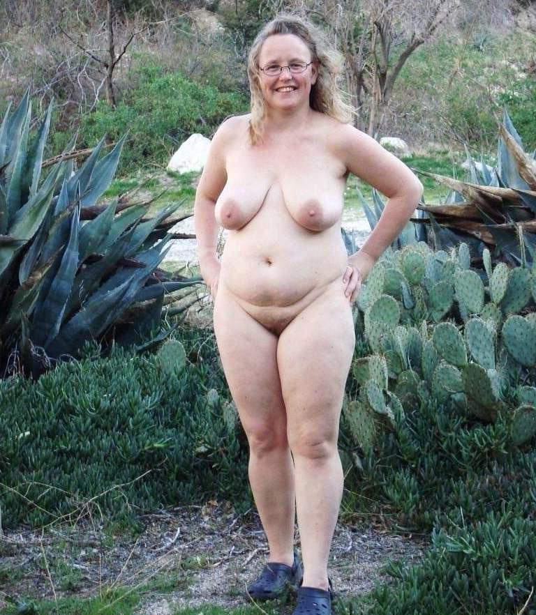 Free blonde milfs in pantyhose movies