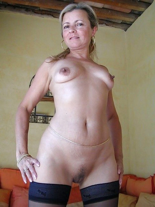 Hairy Mature Spread Solo