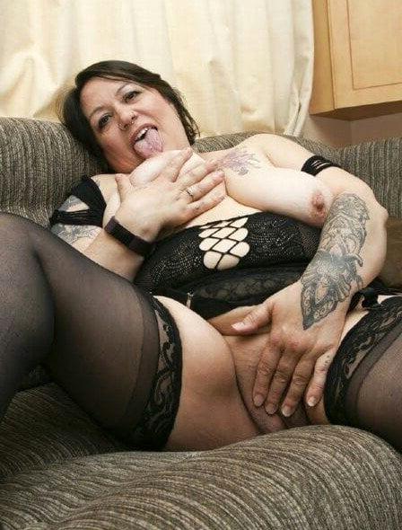 Women with tattos free pics